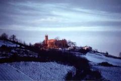 Foto panoramica di Montalbo invernale